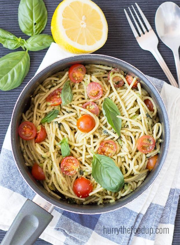 vegan avocado-pasta