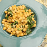 Vegan Garlic Garbanzo Beans with Basil