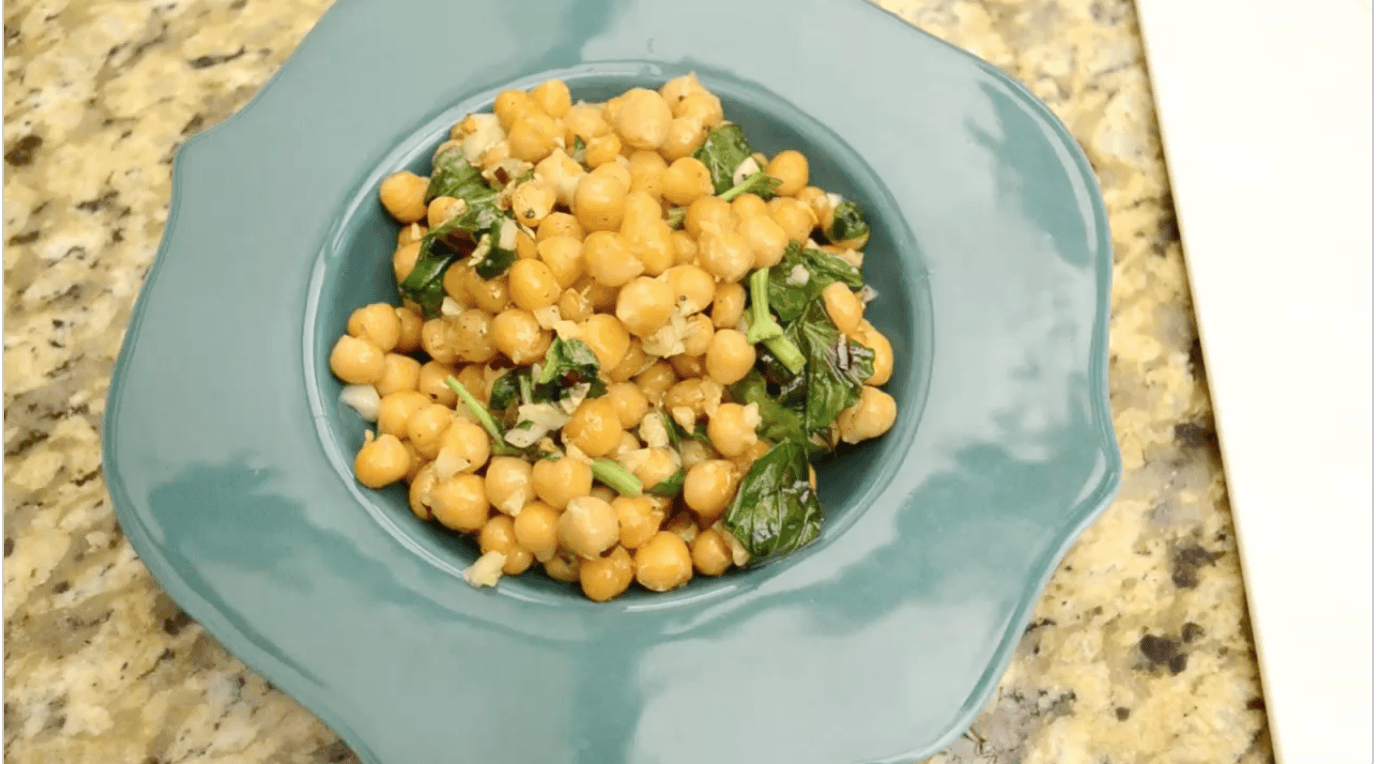 Vegan Garlic Garbanzo Beans with Basil