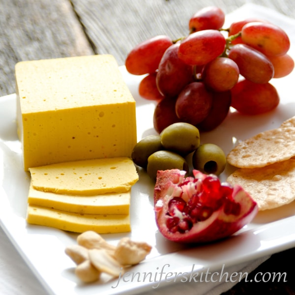 Cheese-and-Crackers-Platter