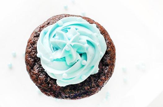 blue-velvet-cupcake_thumb