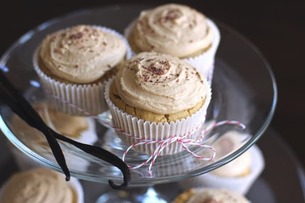 vanilla toffee vegan cupcakes