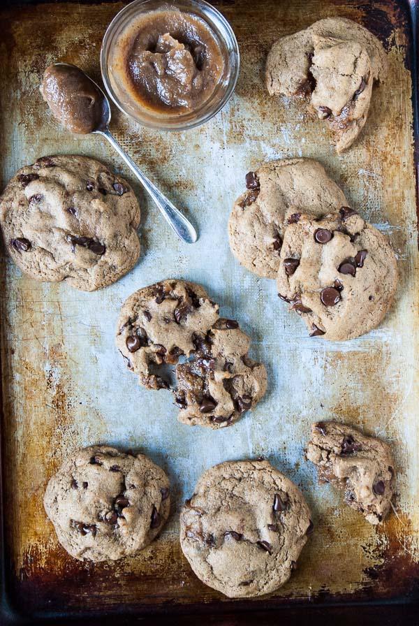 Caramel-Stuffed-Chocolate-Chip-Cookies