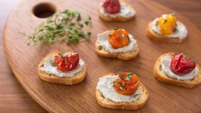 roast-tomato-crostini recipe