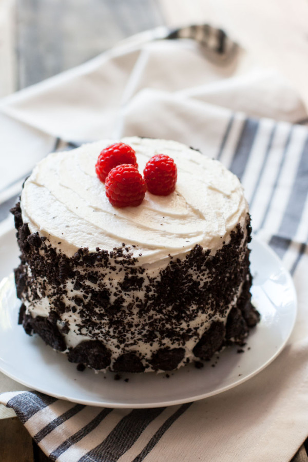 Vanilla-Raspberry-Oreo-Cake-Vegan