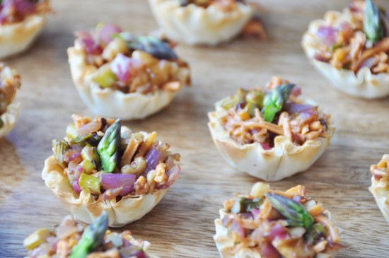 Vegan Caramelized Onion Asparagus Cups