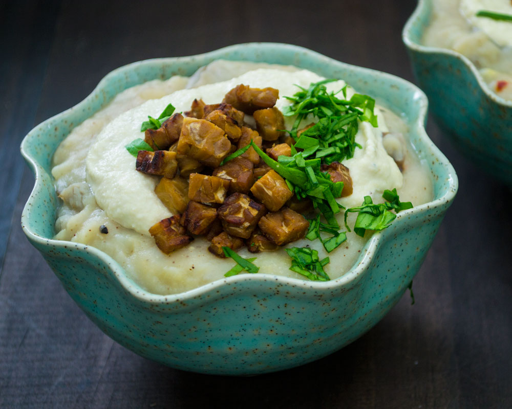 Vegan Loaded Baked Potato Soup