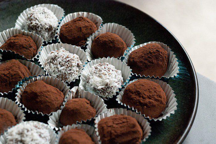 Homemade Vegan Dark Chocolate Truffles
