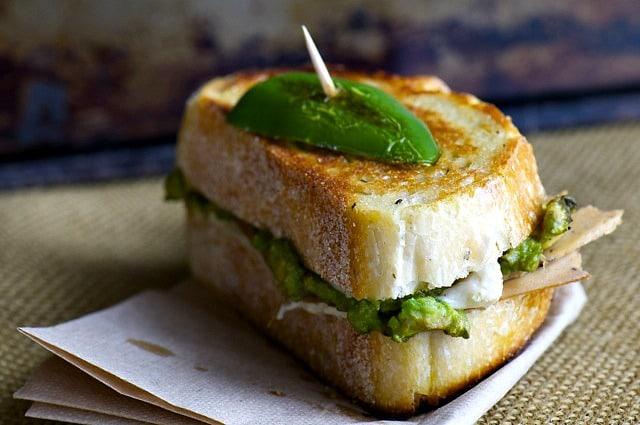 Jalapeno-Avacodo-Grilled-Vegan-Cheese-Sandwich11