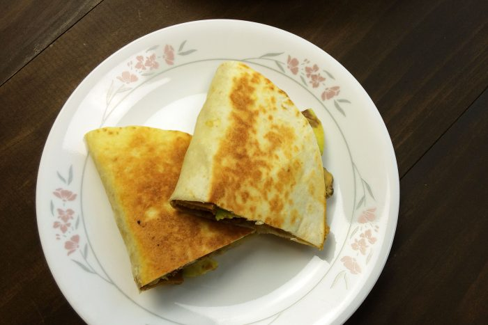 5-vegan-cheesesteak-quesadillas-nacho-cheese-sauce
