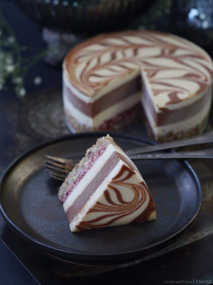 STRAWBERRY CHOCOLATE SWIRL CAKE