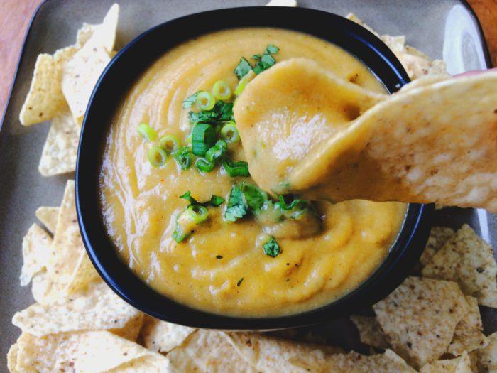 vegan cauliflower queso recipe