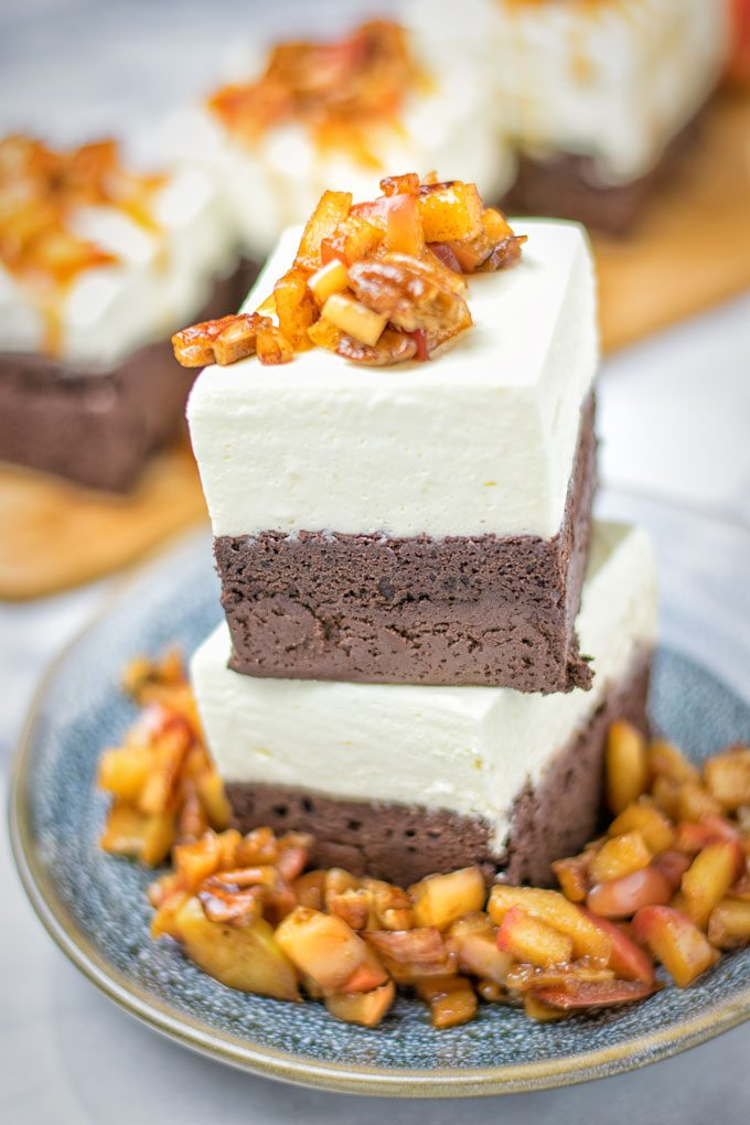CHEESECAKE BROWNIES WITH CARAMEL APPLES
