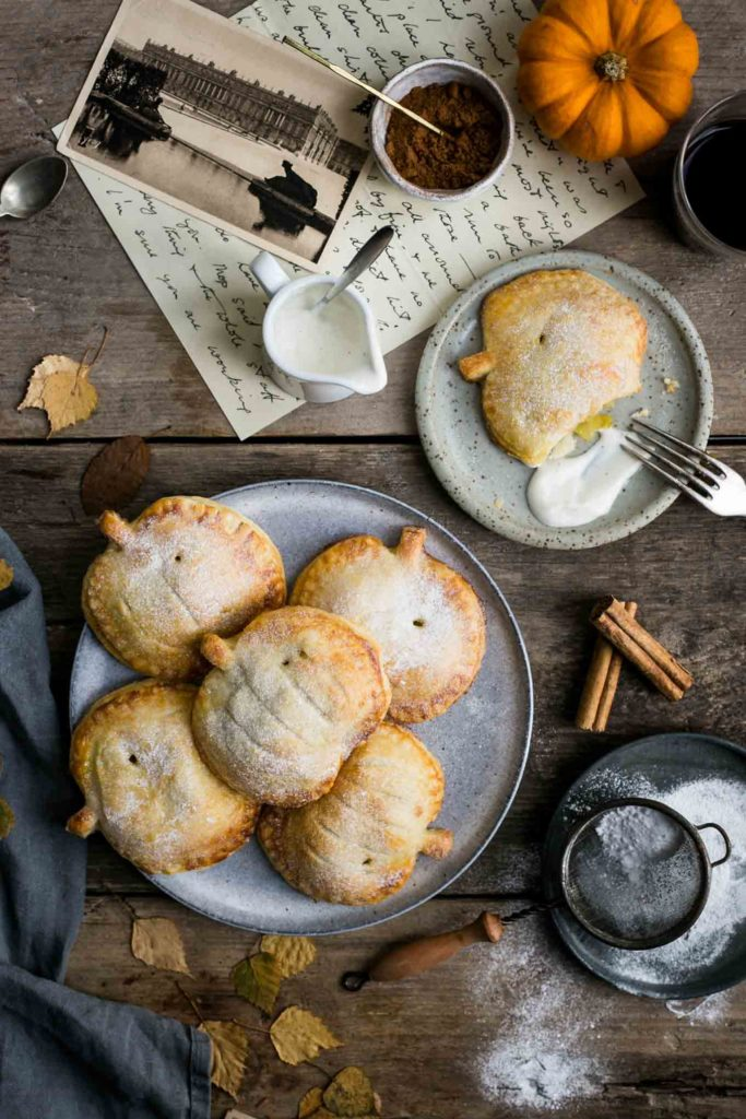 SPICED APPLE AND PUMPKIN HAND PIES