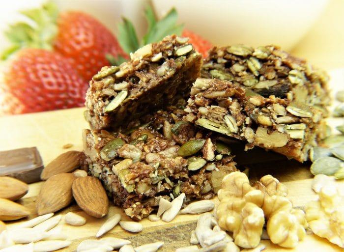 vegan granola bar, one of the best vegan snacks
